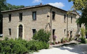 Pietra Rosa Farmhouse - urbino
